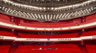 L_nationale_opera___ballet_-_theaterzaal__c__ronald_tilleman