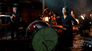 Cave - Elaine Mitchener, London Sinfonietta (c) ROH, photo by Manuel Harlan