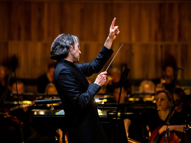 Xl_vladimir-jurowski-conducts-london-philharmonic-orchestra-in-siegfried