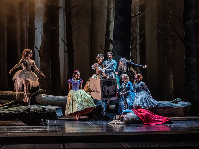Xl_1694_hansel_and_gretel_production_image__c__roh__2018._photographed_by_clive_barda